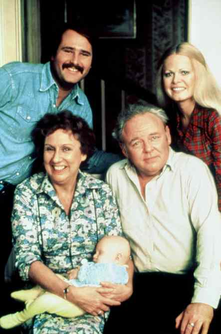 ALL IN THE FAMILY, from left: from top left: Rob Reiner, Jean Stapleton, Carroll O'Connor, Sally Struthers, 1971-79