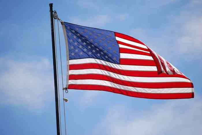 Teen Fixes Tattered American Flags For Local Businesses