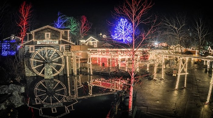 when to watch Christmas at dollywood