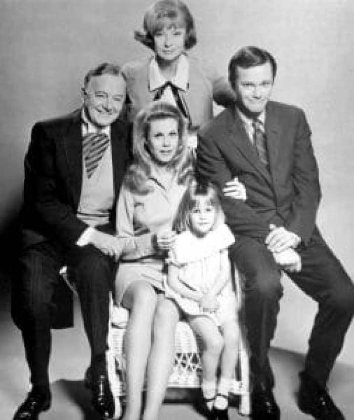 When Dick Sargent (R) took over as Darrin, Moorehead was less than pleased