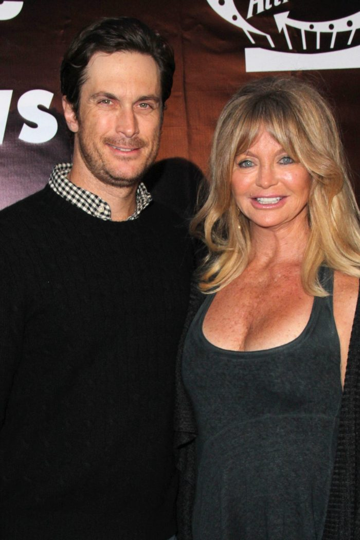Goldie Hawn's Kids, Oliver And Kate Hudson, Recall Embarrassing Memory With Mom