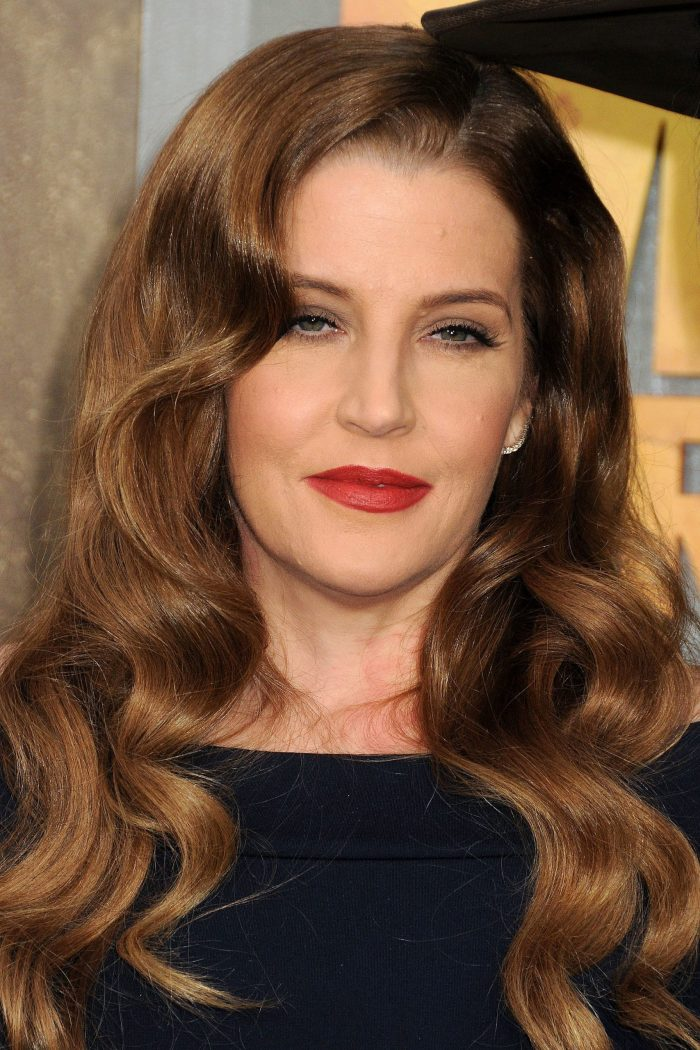 "Lisa Marie Presley ""Knew Something Was Wrong"" As Elvis Died In The Room Next To Hers"