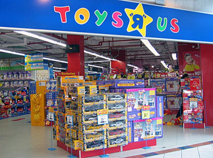 toys r us teaming up with target