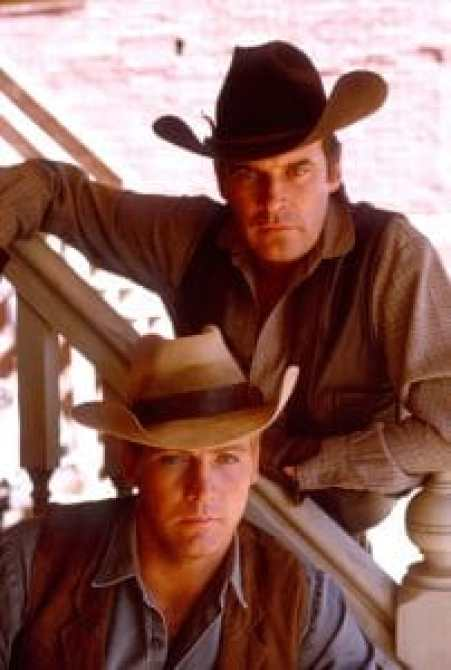 Lee Majors and Peter Breck in The Big Valley