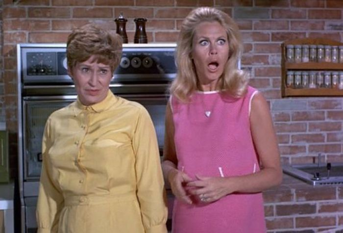 elizabeth-montgomery-alice-ghostley-bewitched