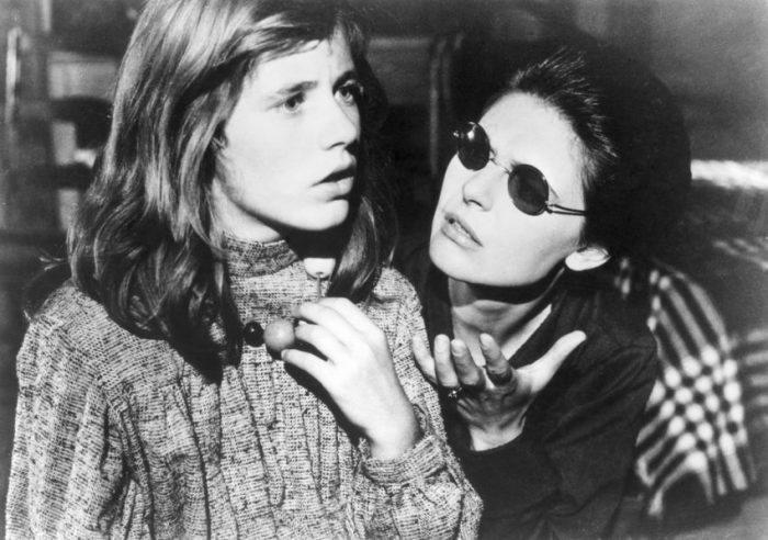Patty Duke and Anne Bancroft in 'The Miracle Worker'