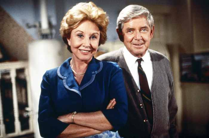 A WALTON THANKSGIVING REUNION, from left: Michael Learned, Ralph Waite, 1993