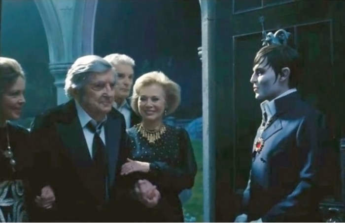 Cast of the original 'Dark Shadows' made a cameo appearance in the 2012 movie version directed by Tim Burton and starring Johnny Depp.