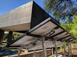 The SolarLEAF utilizes a 100 percent passive thermal regulation system for panel-level energy storage.