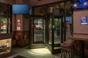 The BoonAssist TQ manual revolving door creates energy and space savings at Crafthouse.