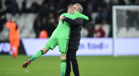 <>jose-mourinho-and-de-gea