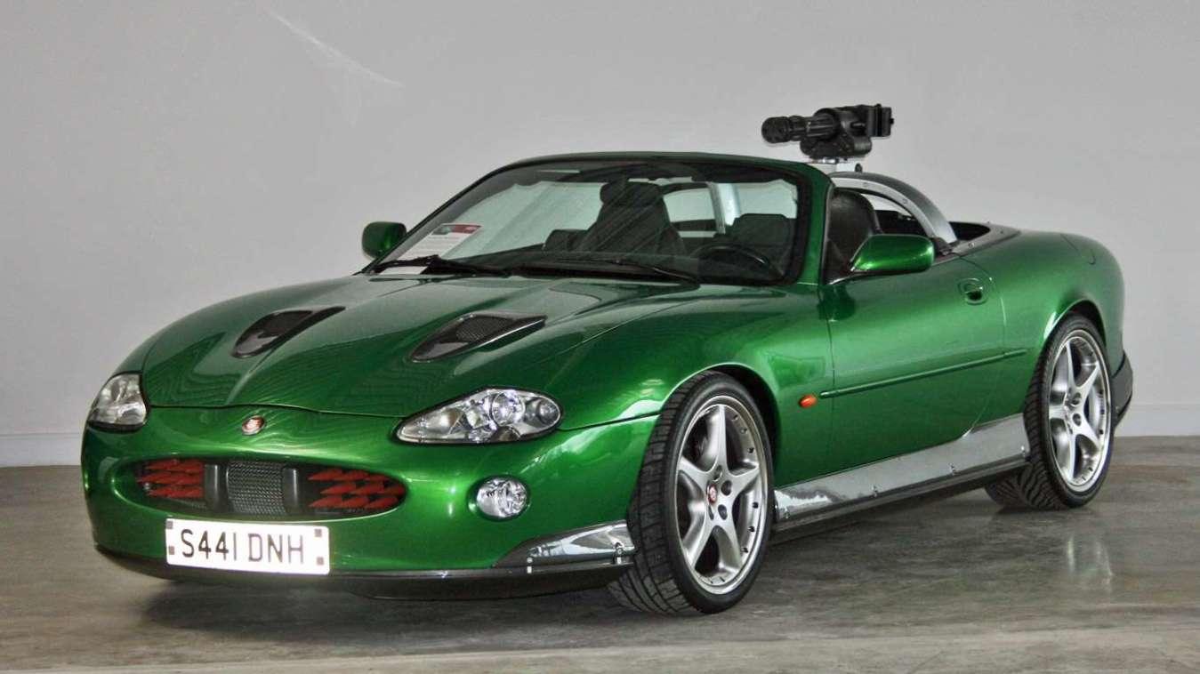 James Bond Jaguar XKR