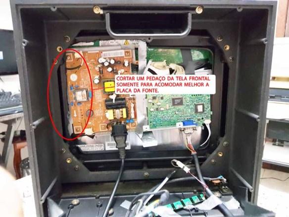casemod-montagem-tela7 Casemod Monitor  Mbw-12 Gradiente com Monitor Samsung 510N