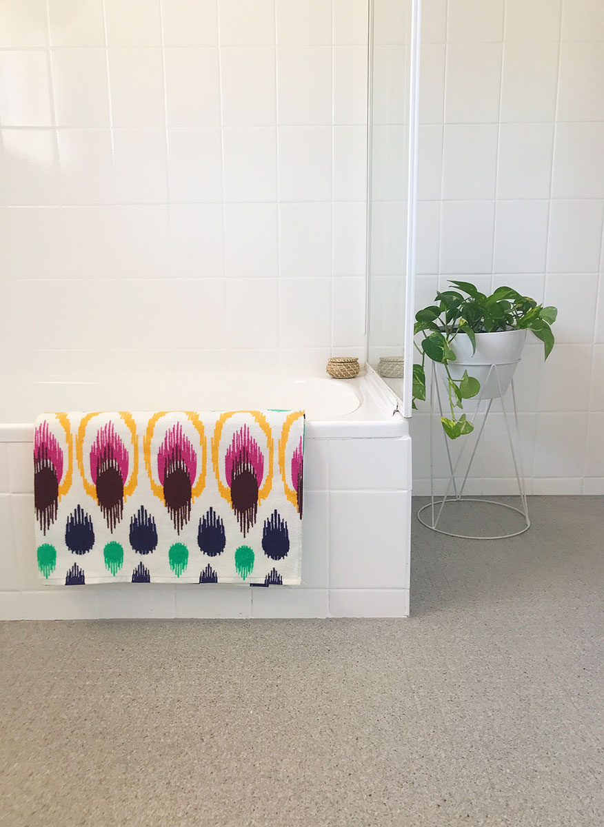 Retro Revamp   Transforming dated rooms into fresh modern spaces. Specialising in Bathroom & Kitchen Resurfacing and Makeovers in Adelaide, South Australia