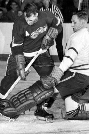 1957-58 Detroit Red Wings Season