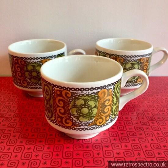 Broadhurst Kathie Winkle Agincourt pattern Cups
