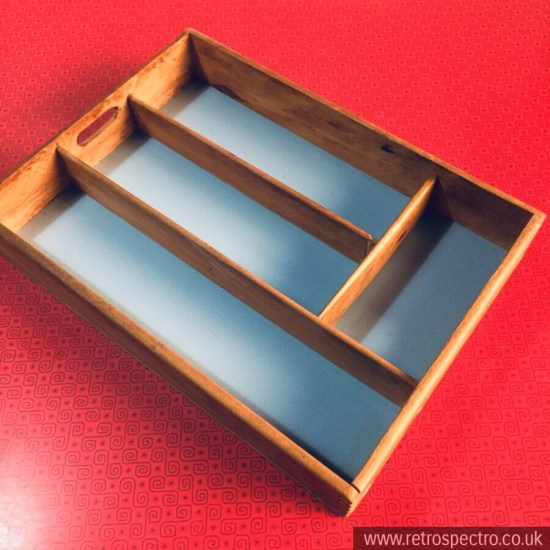 Vintage cutlery storage tray with laminate base