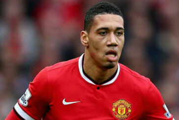 Confirmed by Daily Mail: Chris Smalling ruled out of the Arsenal game, 4 weeks feared