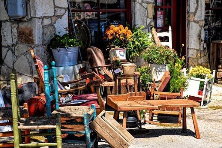 Mercadillos de antigüedades y desembalajes más famosos de españa