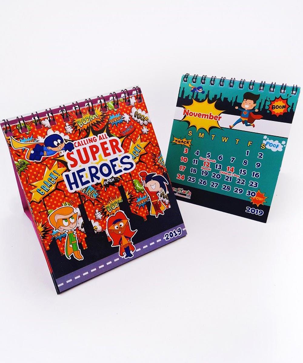 2020 Super Heroes Theme Cute Customized Desk Calendars