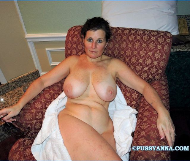 Moses Reccomend Moms With Big Tits Amateur