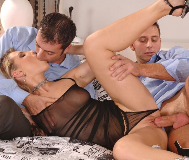 Betty B Reccomend Big Naked Pussy School Girl