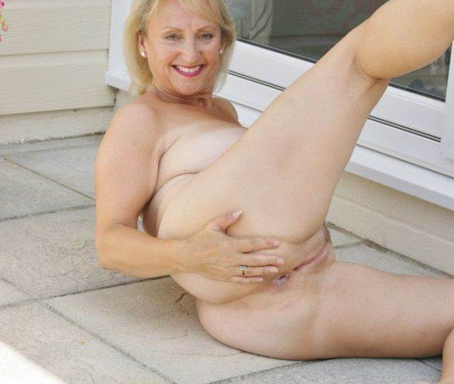 Mature Nude Slut