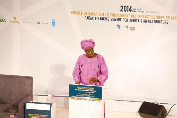 """"""" Les 16 grands projets à fort impact retenus pour la première phase sont des projets multi-sectoriels qui appellent donc un financement tout aussi important. """" Aminata Touré, Premier Ministre du Sénégal"""
