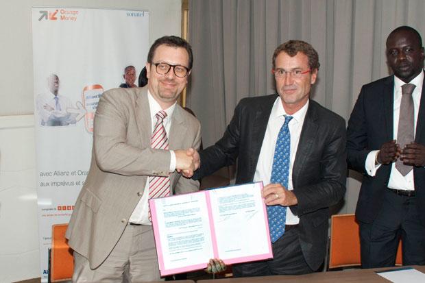 JérômeHénique, Directeur Général adjoint d'Orange et Olivier Malâtre, Directeur Général de Allianz Assurance vie