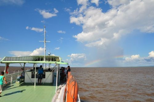 A rainbow on the Amazonian horizon