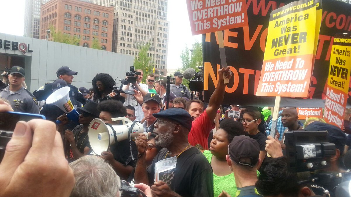 Carl Dix speaking in Public Square, Cleveland