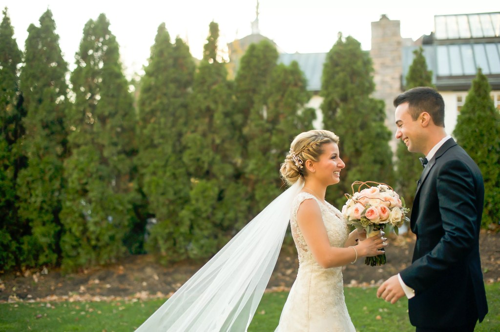 deb and matt photo | first look bride and groom at fox hollow in woodbury, new york