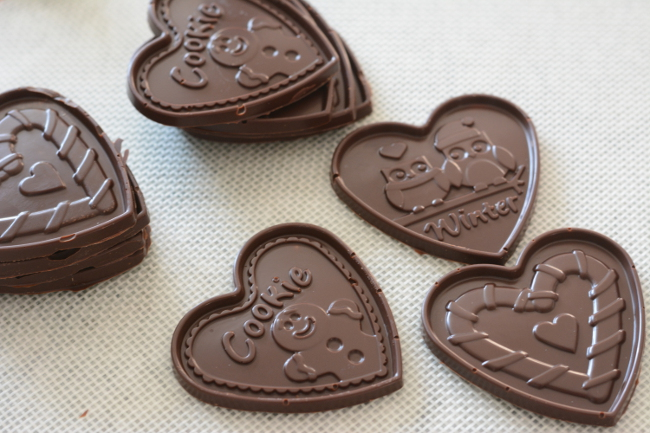 molded chocolate plaques. Choco Leibniz and Petit écolier don't have to be just a special treat. Make these impressive butter cookies with molded chocolate at home!