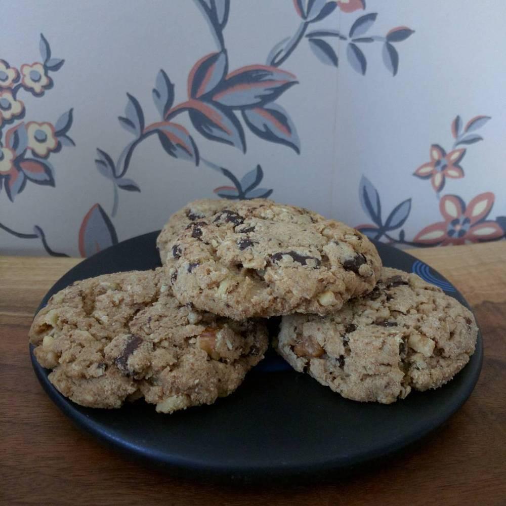 chocolate chip oatmeal walnut cookies