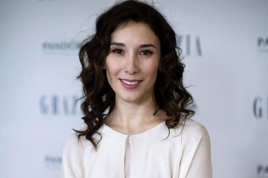 Learn German with the films of actress Sibel Kekilli.