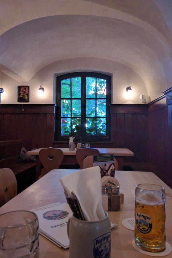 Inside the Aying Braeustueberl.