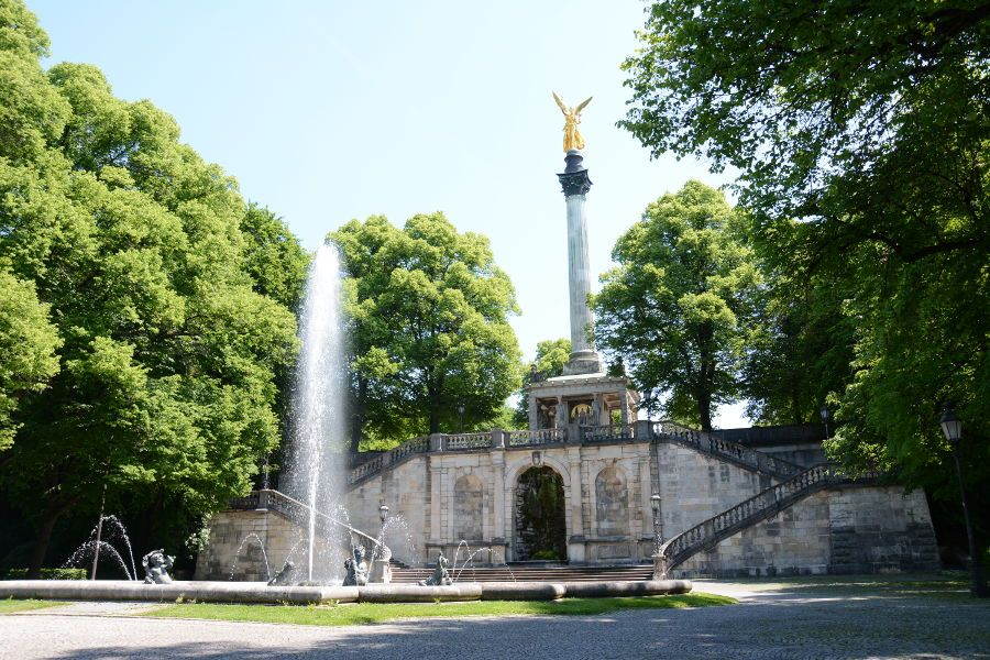 Friedensengel (Angel of Peace) and Putti Fountain in Munich, Germany.