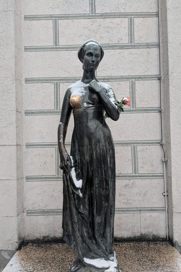 A fresh coating of snow on the Juliet statue in Marienplatz, Munich, Germany.