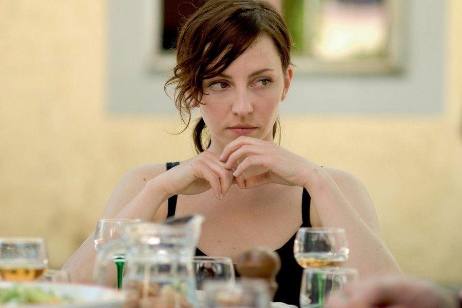Learn German with the film Es kommt der Tag starring Katharina Schüttler.