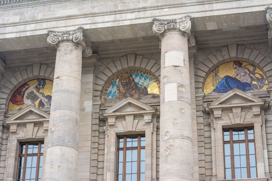Mosaics decorate the exterior of the Bayerische Staatskanzlei.