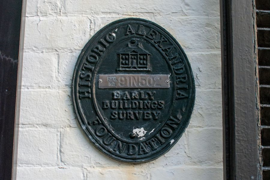 A medallion from the Historic Alexandria Foundation Early Buildings Survey.