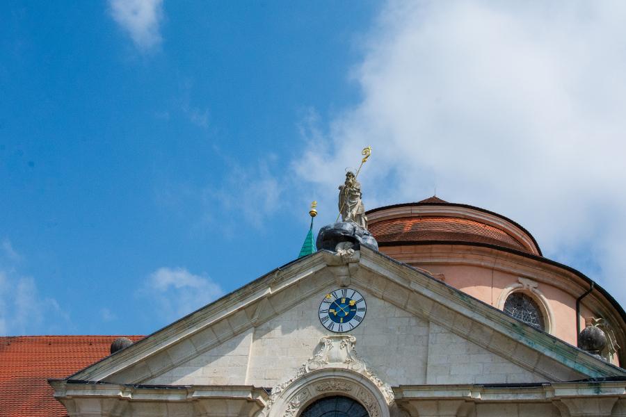 A relatively modest pediment on the Kloster Weltenburg church.