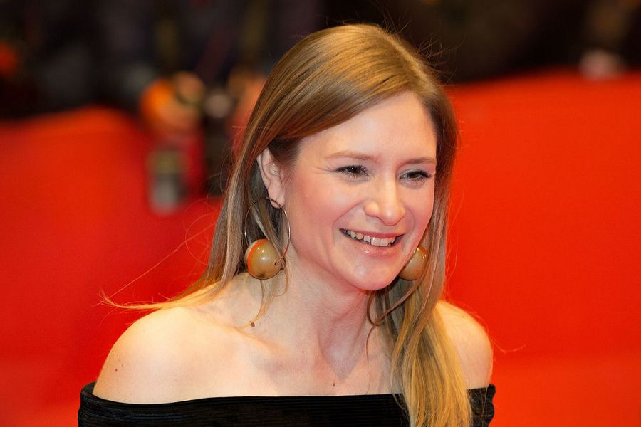 Learn German with the films of actress Julia Jentsch.