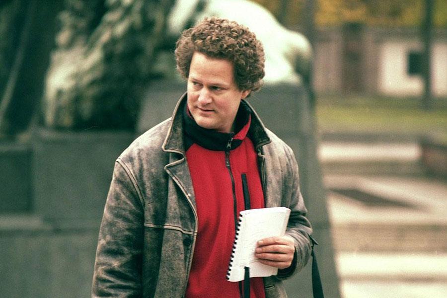 Learn German with the films of filmmaker Florian Henckel von Donnersmarck.