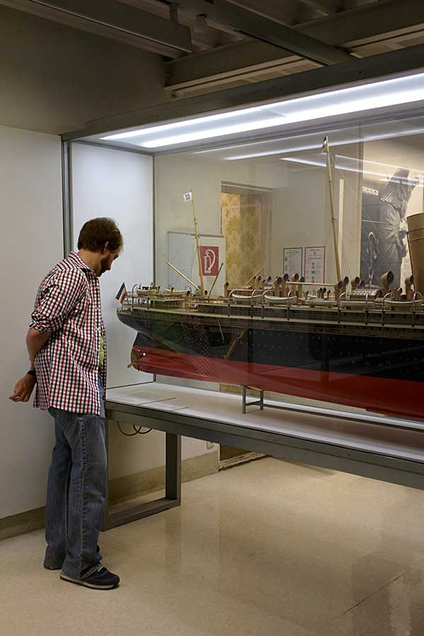 A ship model in the Deutsches Museum.