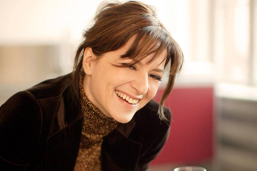 Learn German with the films of actress Martina Gedeck!