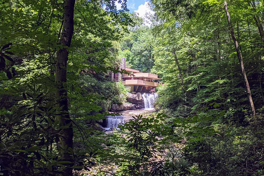 Frank Lloyd Wright's stunning Fallingwater is a great day trip from Pittsburgh.
