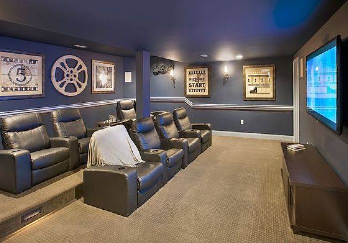 27 cool basement home theater ready to entertain reverbsf for Home theater basement design ideas