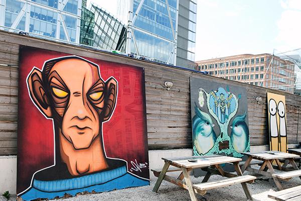 Oeuvres street art The Light Londres de Snub / Faunagraphic et Stik