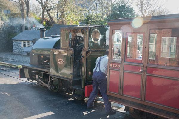 Le train à vapeur Talyllyn en gare de Tywyn